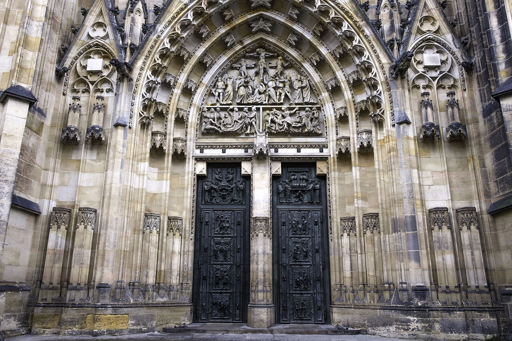 kathedraal bij kasteel praag winter
