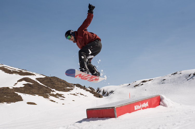 kitzbuheler alpen oostenrijk snowboard