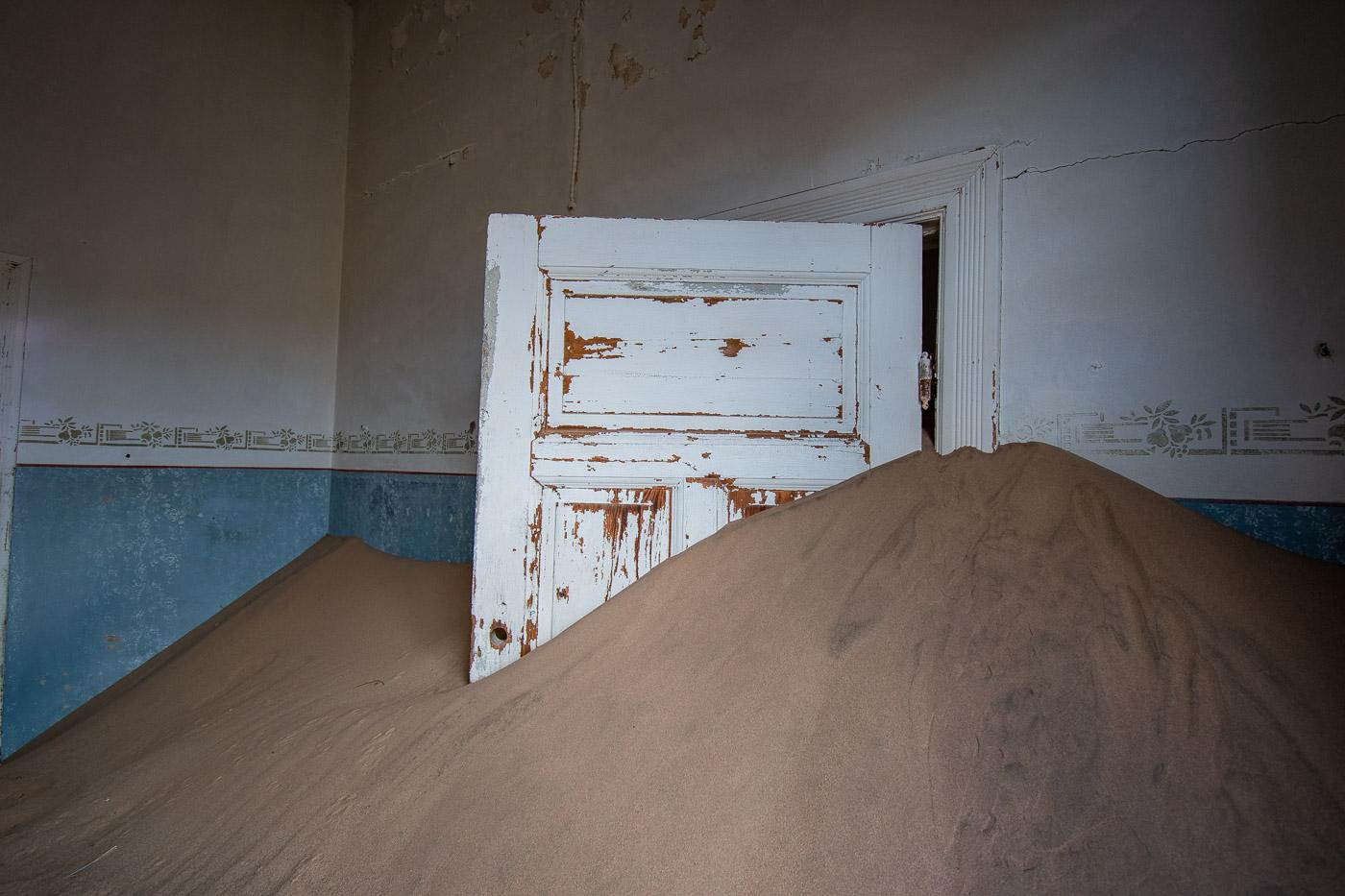kolmanskop in namibie spookstad-8