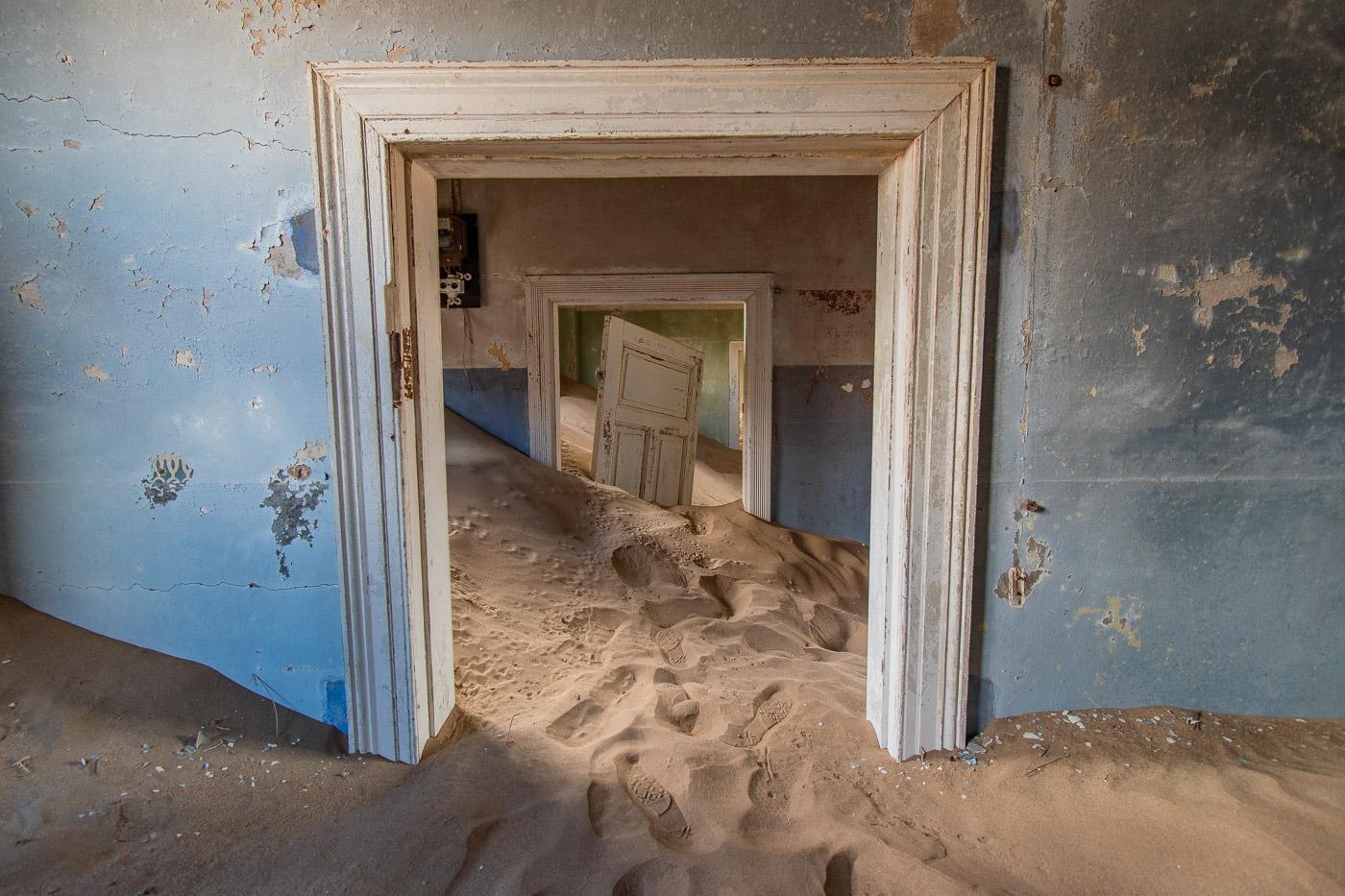 kolmanskop namibie deuren gang