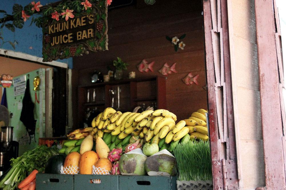 kraampje smoothie bar chiang mai in thailand Khunkae