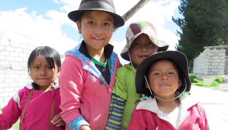 locals ecuador quilotoa loop