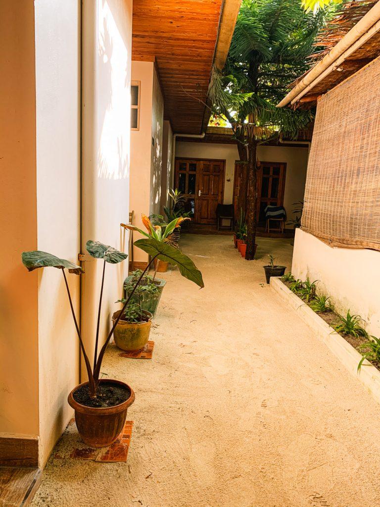 maafushi hotel tips