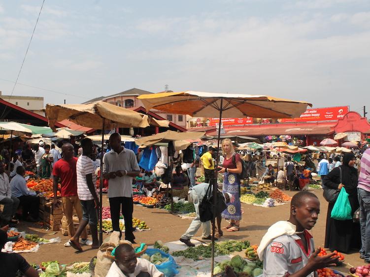 markt oeganda backpacken