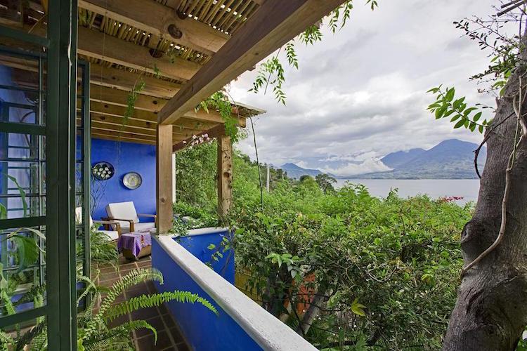 meer van atitlan guatemala viewpoint