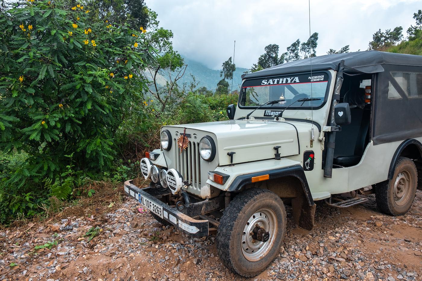munnar india kerala jeep tour