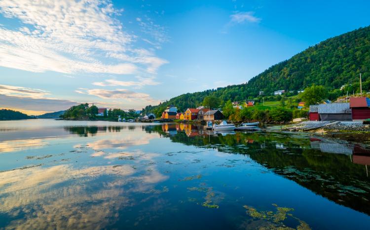 noorwegen-dorpje-hosanger-haven-water-1