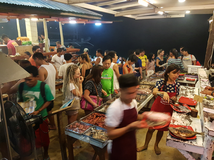 palawan filipijnen El-nido-drukte-1