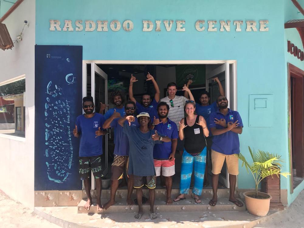 rashdoo dive center malediven Met het duikteam van RDC