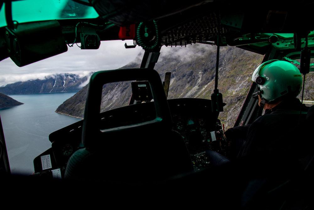 reis naar groenland met helicopter