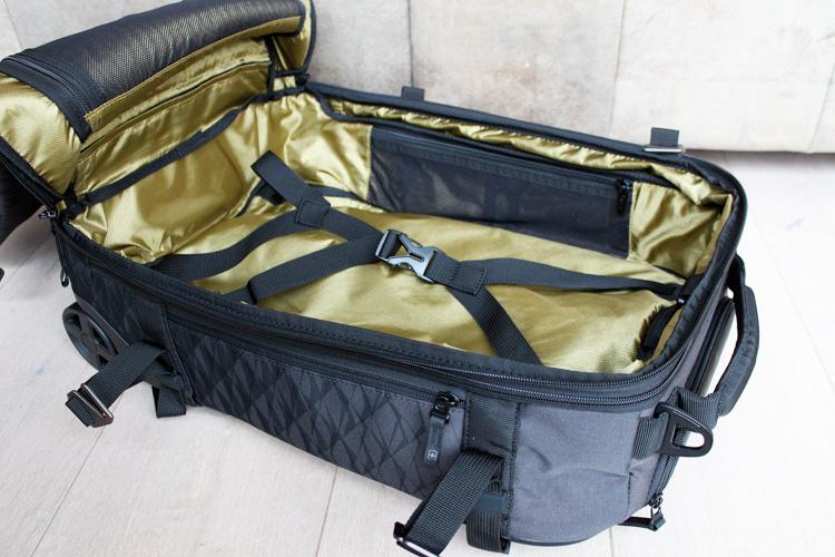 review Victorinox Vx Touring koffer rugzak-10