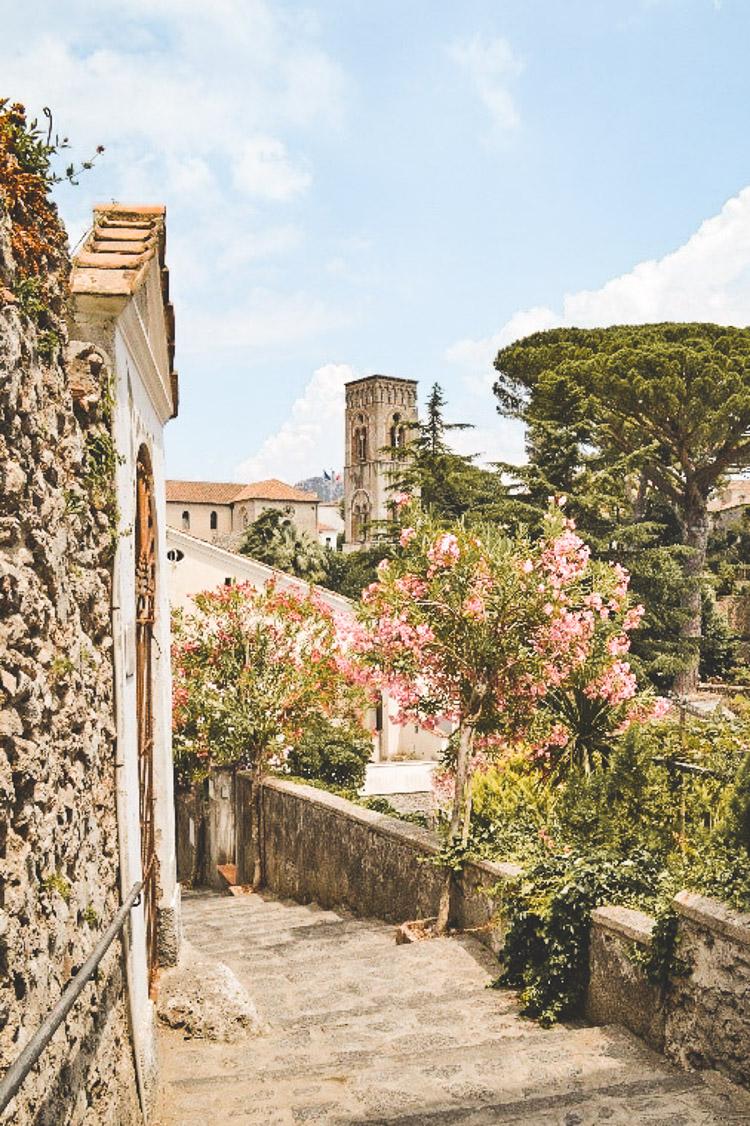 rondreis amalfikust mooie straatjes van Ravello