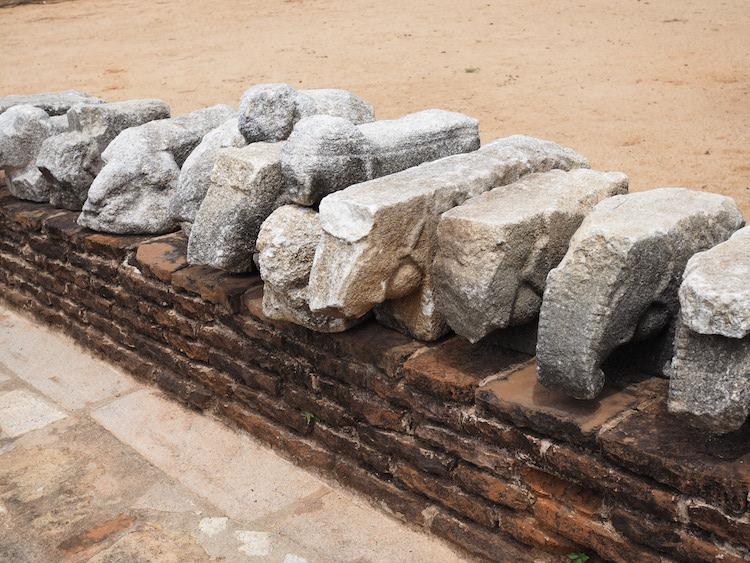 ruines-Abhayagiri-vihāra-anuradhapura