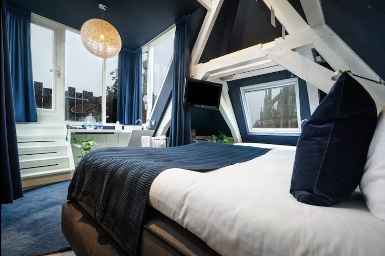 simple hotel met restaurant utrecht