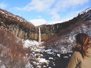 skaftafell falls svartifoss ijsland