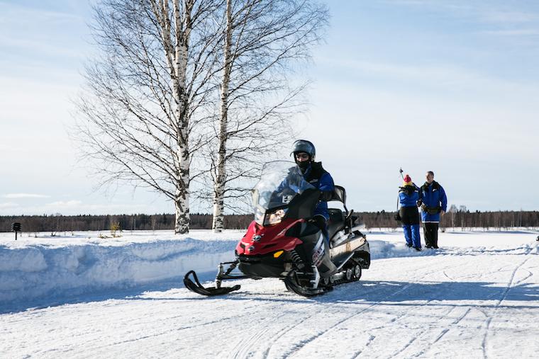 sneeuwscooter lapland finland