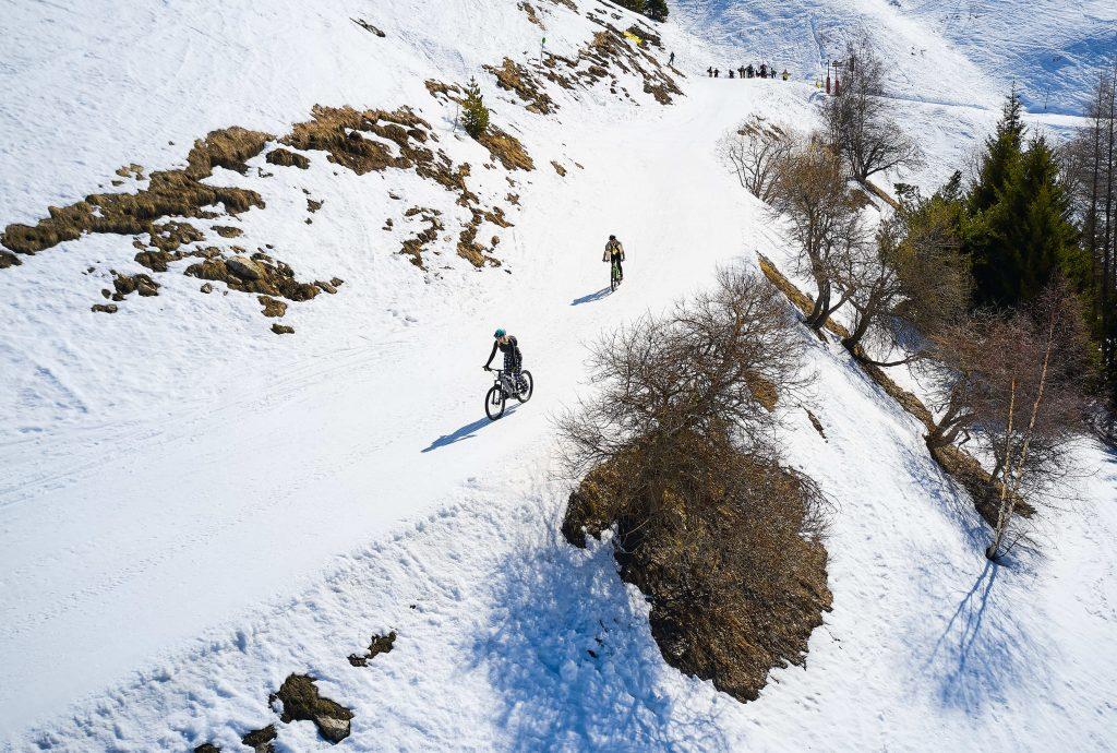 snowbike wintersport trein