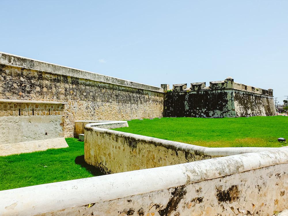stadsmuur campeche in mexico