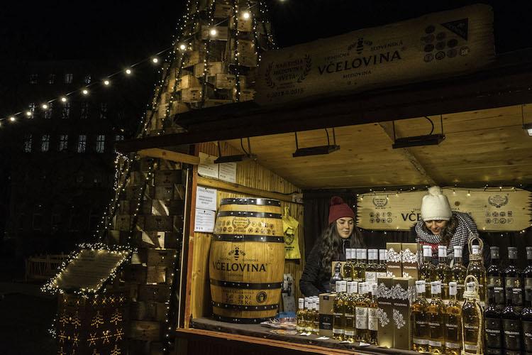 stedentrip brno kerstmarkt avond