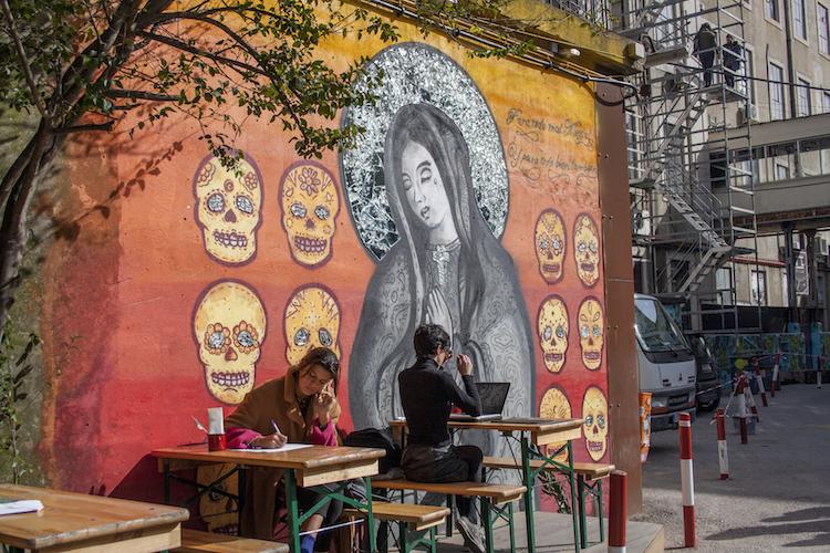 streetart bij LX Factory