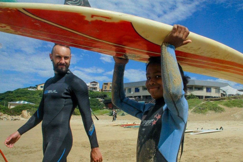 surfen-zuid-afrika-en-vrijwilligerswerk
