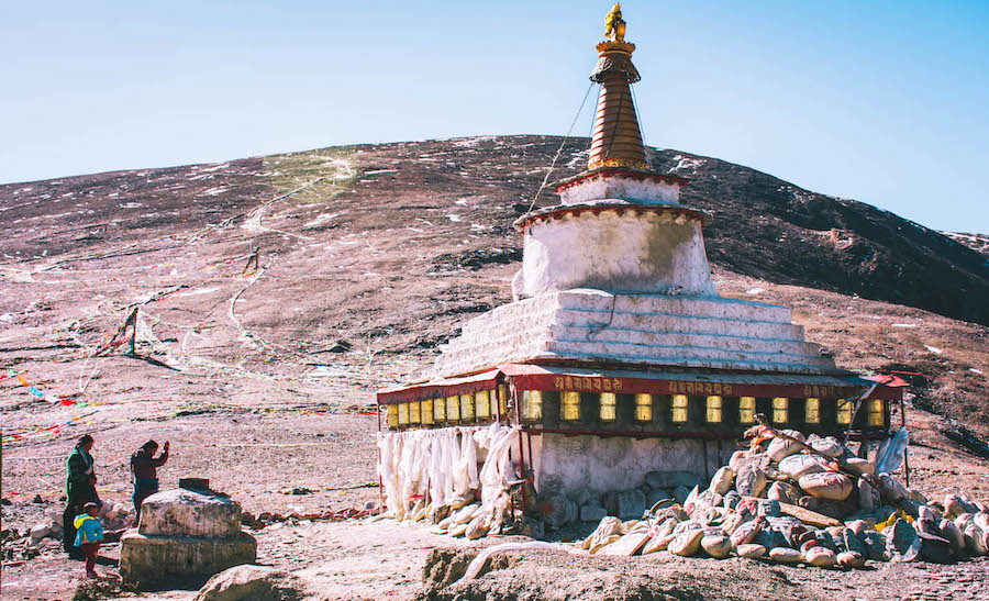 tempel tibet backpacken tim