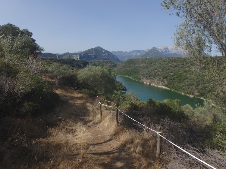 tips Sardinië uitzicht bergen