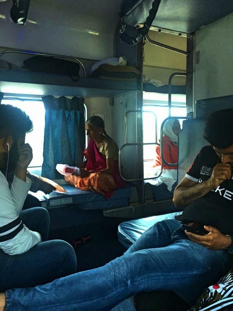 trein india 3rd AC treinreizen
