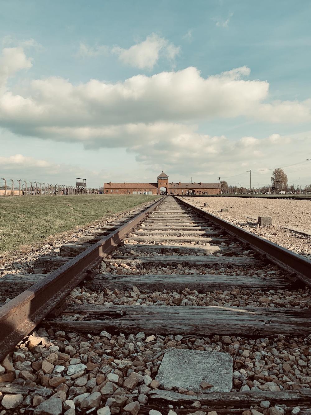 treinrails krakau Auschwitz-Birkenau polen