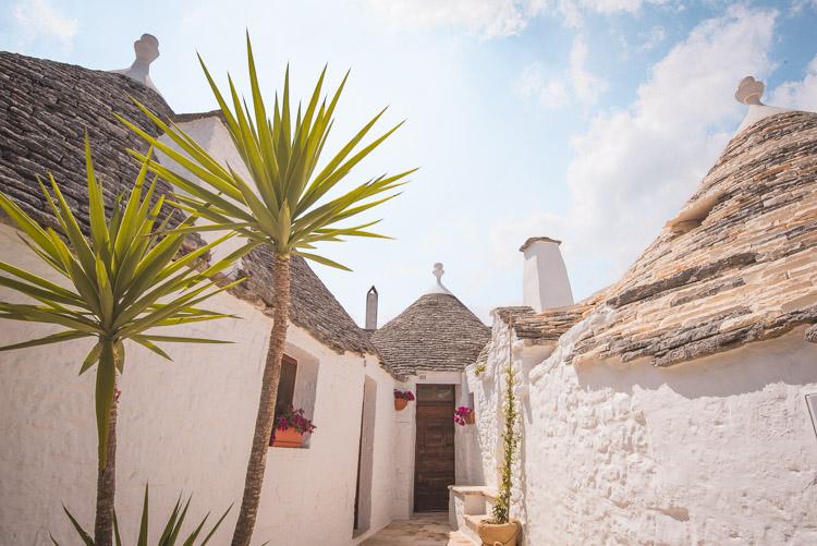 trulli in Alberobello puglia