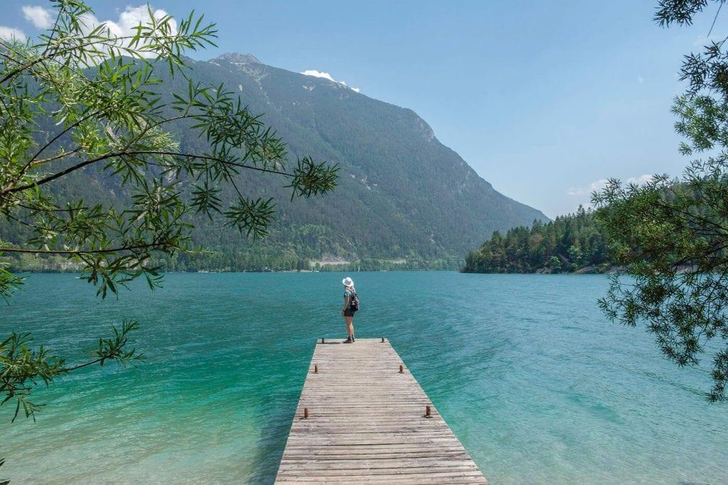 turquoise meer in Achensee zomervakantie oostenrijk