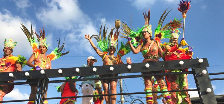 uitgaan curacao carnaval