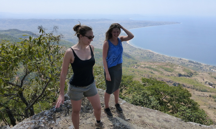 uitzicht bij livingstonia over lake malawi highlights