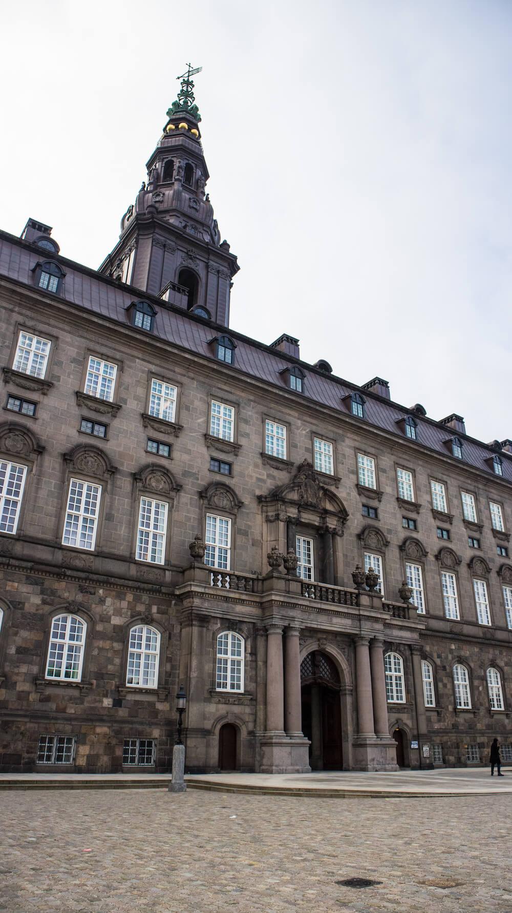 uitzicht christianborg slot kopenhagen winter