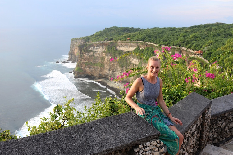 uluwatu bali alleen backpacken indonesie