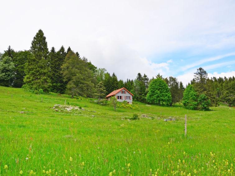 uniek overnachten zwitserland chalet la fretaz