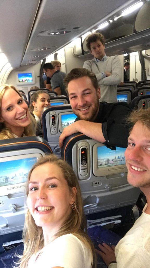 vakantie met vrienden Vliegtuig