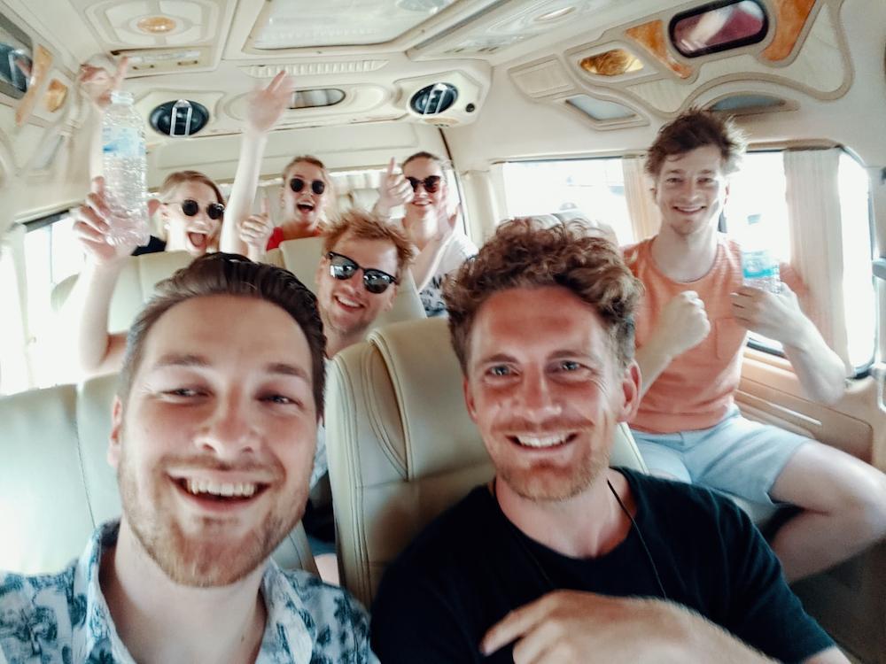 vakantie met vrienden vervoer