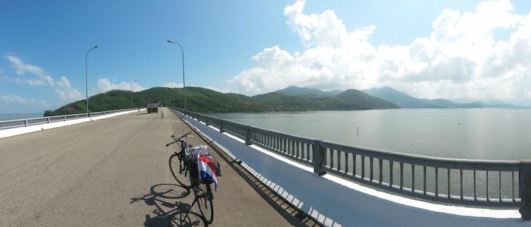 verlaten wegen fietsen in vietnam backpacken