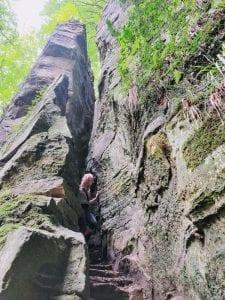 wandelen in het mullerthal rotsen