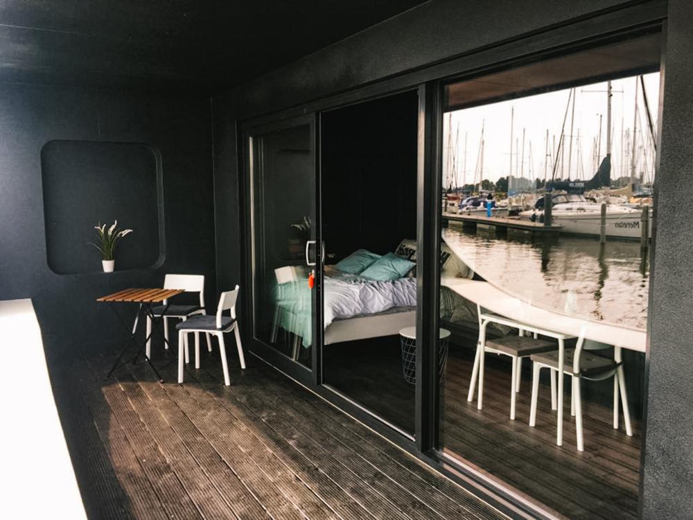 watervilla andijk nederland