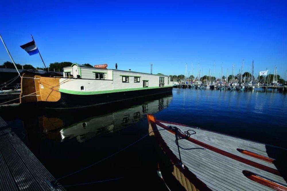 woonboot de zwerver bijzonder overnachten nederland