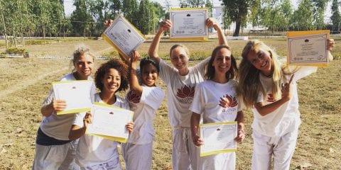 yoga teacher training volgen in india hoe is dat