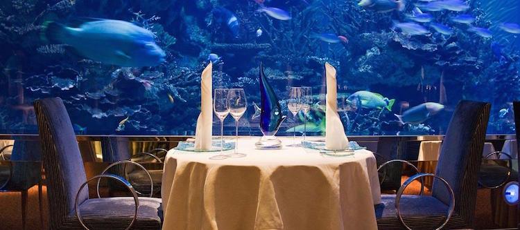 zeven sterren hotel onderwaterrestaurant
