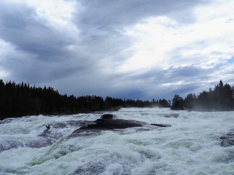 zomervakantie in lapland stoforsen waterval