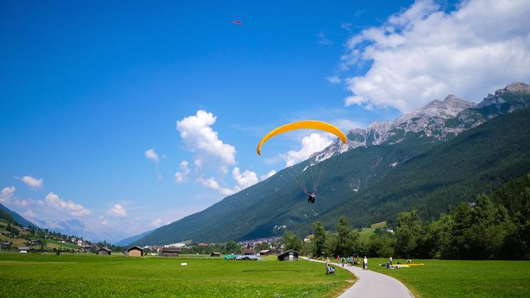 zomer stubai paragliden activiteiten