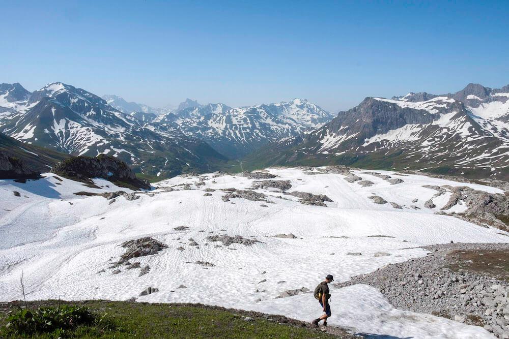 zomervakantie in oostenrijk sneeuw bergen