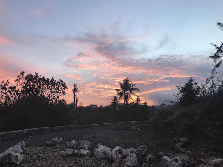 zonsondergang bij Putu nusa penida