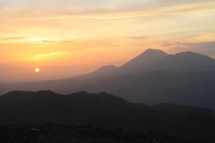 zonsondergang nicaragua backpacken